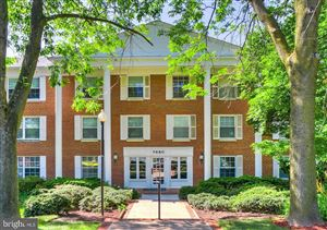 Photo of 7680 TREMAYNE PL #302, MCLEAN, VA 22102 (MLS # VAFX1058806)