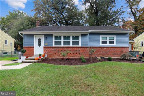 Photo of 1117 MAPLE AVE, ROCKVILLE, MD 20851 (MLS # MDMC697808)