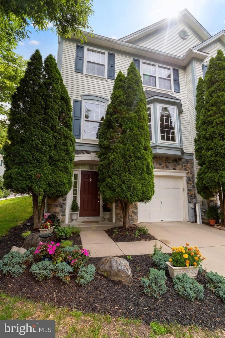 Photo of 7321 ROCKY CREEK DR #14, COLUMBIA, MD 21046 (MLS # MDHW2001808)
