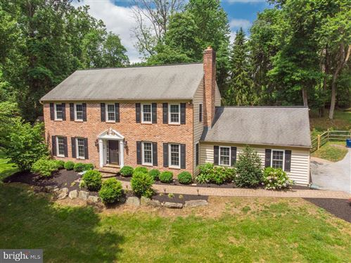 Photo of 12 ROBERTS RD, NEWTOWN SQUARE, PA 19073 (MLS # PADE521814)
