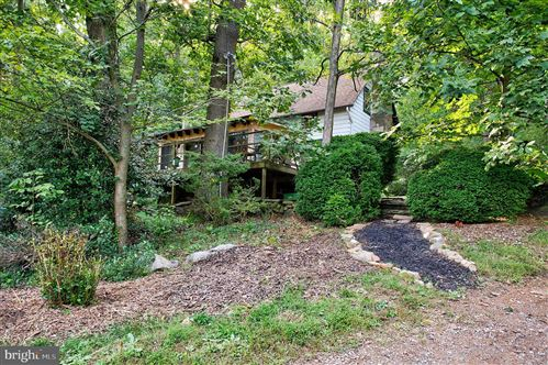 Photo of 16657 TREE CROPS LN, ROUND HILL, VA 20141 (MLS # VALO394820)
