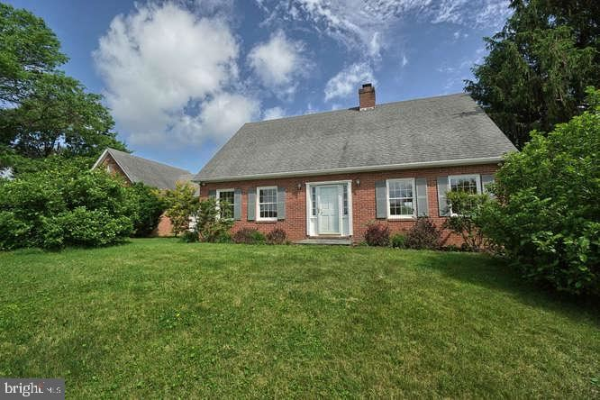 Photo of 2018 POINT OF ROCKS RD, KNOXVILLE, MD 21758 (MLS # MDFR265822)