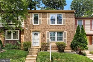 Photo of 7313 GOLDEN HORSESHOE CT, SPRINGFIELD, VA 22153 (MLS # VAFX1078826)