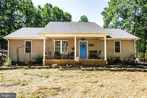Photo of 32502 JACOB LN, LOCUST GROVE, VA 22508 (MLS # VAOR136826)