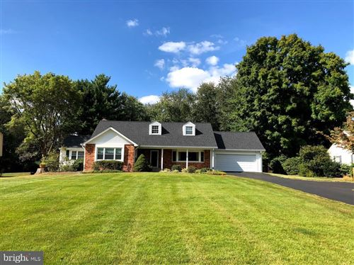 Photo of 12605 DEOUDES RD, BOYDS, MD 20841 (MLS # MDMC754828)