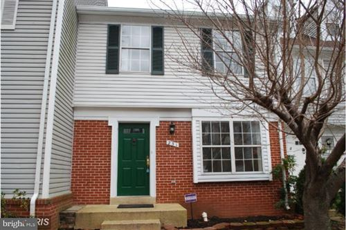 Photo of 231 FINCHINGFIELD CT, STERLING, VA 20165 (MLS # VALO407828)
