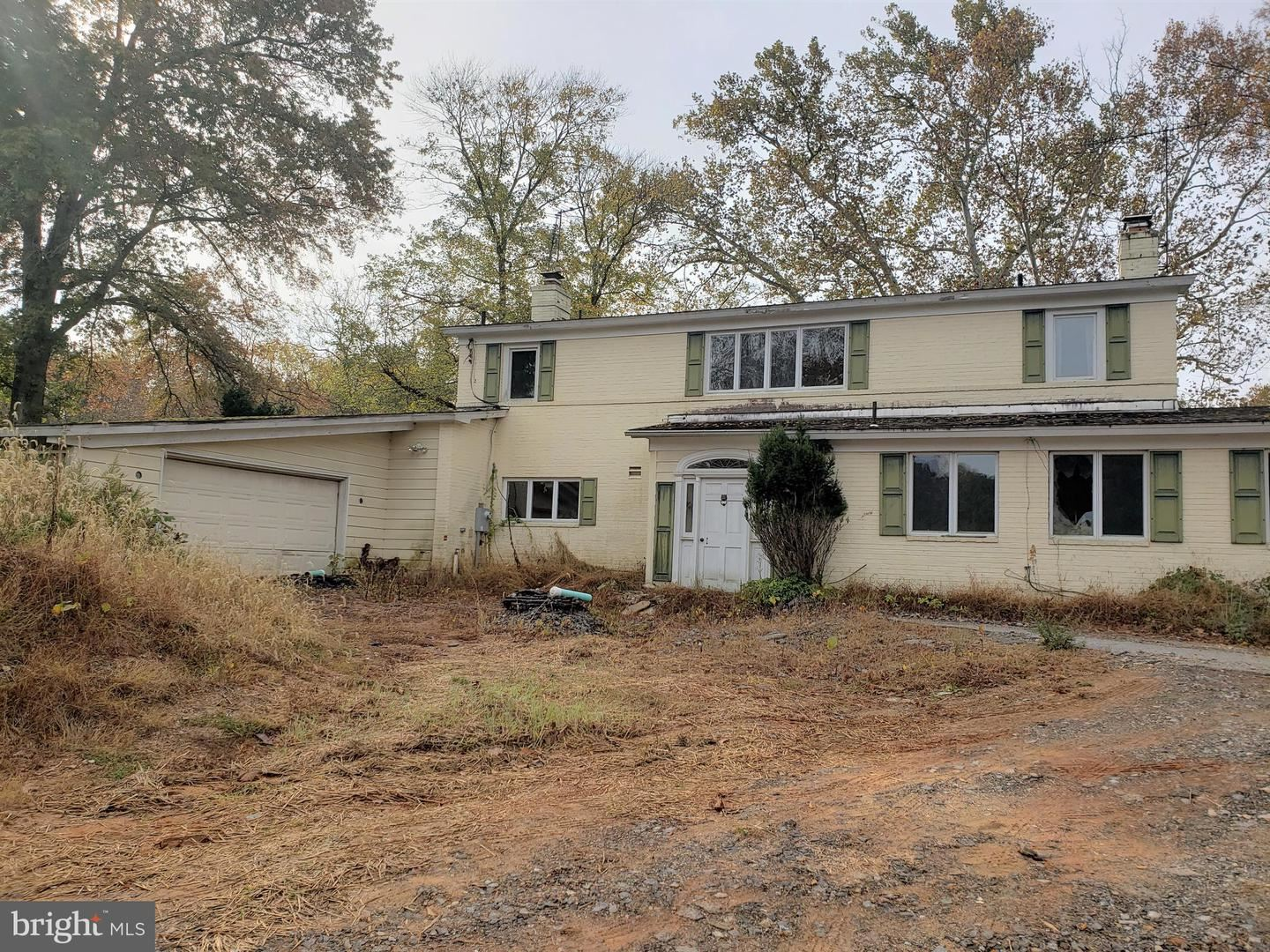 Photo of 13211 QUERY MILL RD, NORTH POTOMAC, MD 20878 (MLS # MDMC696828)