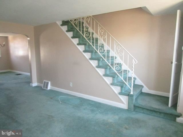 Photo of 239 GRAMERCY DR, CLIFTON HEIGHTS, PA 19018 (MLS # PADE519828)