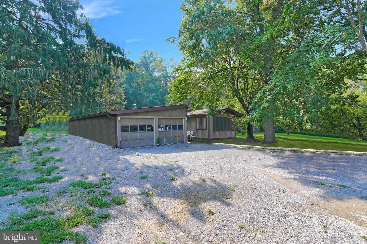 Photo of 21411 GREENBRIER RD, BOONSBORO, MD 21713 (MLS # MDWA2001830)