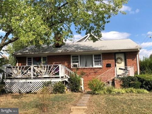 Photo of 300 HUME AVE, ALEXANDRIA, VA 22301 (MLS # VAAX242832)