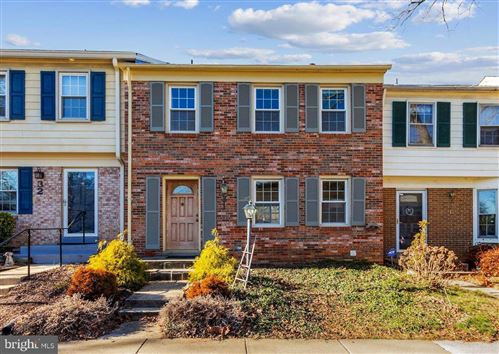 Photo of 31 CHANTILLY CT, ROCKVILLE, MD 20850 (MLS # MDMC739834)