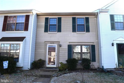 Photo of 6695 COMANCHE CT, HAYMARKET, VA 20169 (MLS # VAPW482834)