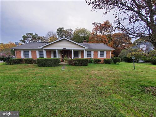 Photo of 8116 ROLLING RD, SPRINGFIELD, VA 22153 (MLS # VAFX1164838)