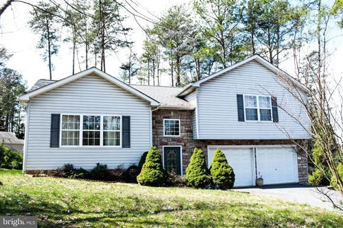 Photo of 215 RIVERDALE LN, LOCUST GROVE, VA 22508 (MLS # VAOR138838)