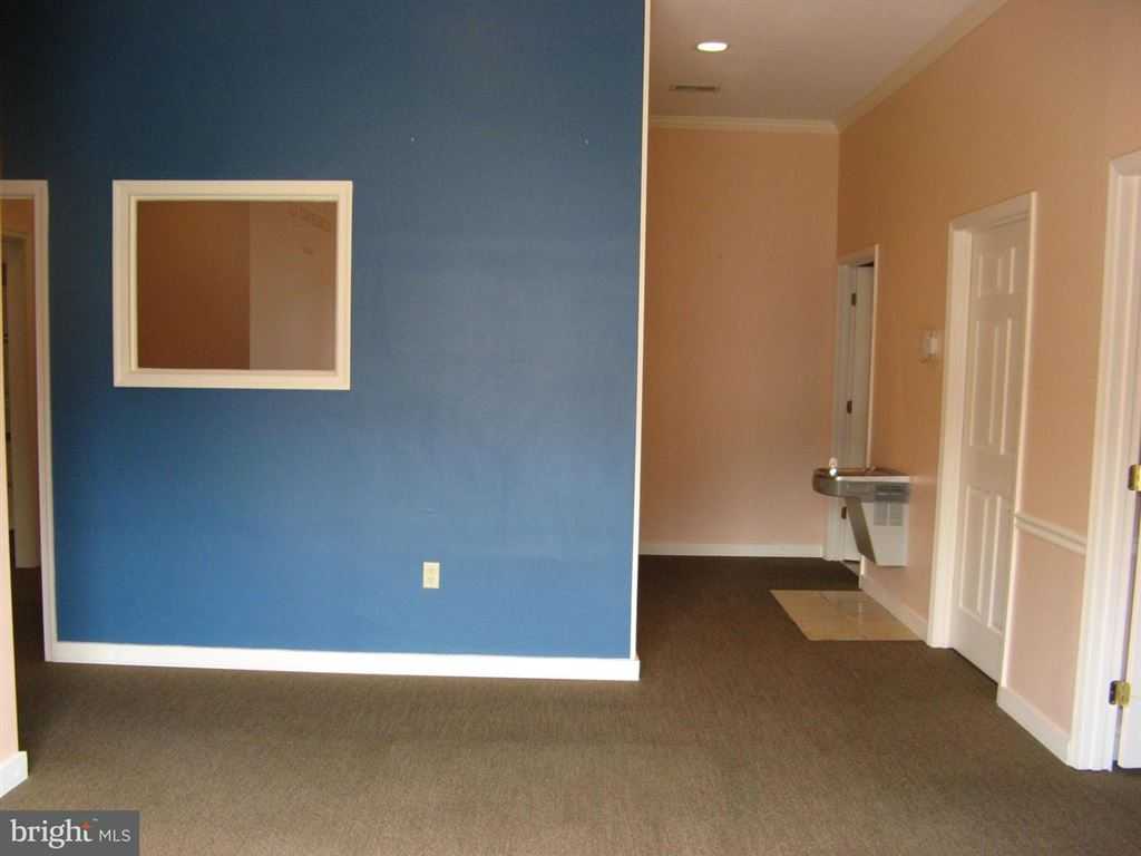 Photo of 2433 VALLEY AVE #103, WINCHESTER, VA 22601 (MLS # VAWI112846)