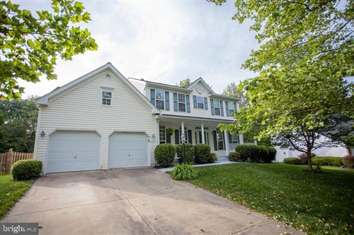 Photo of 525 CANTERBURY CIR, PURCELLVILLE, VA 20132 (MLS # VALO413850)