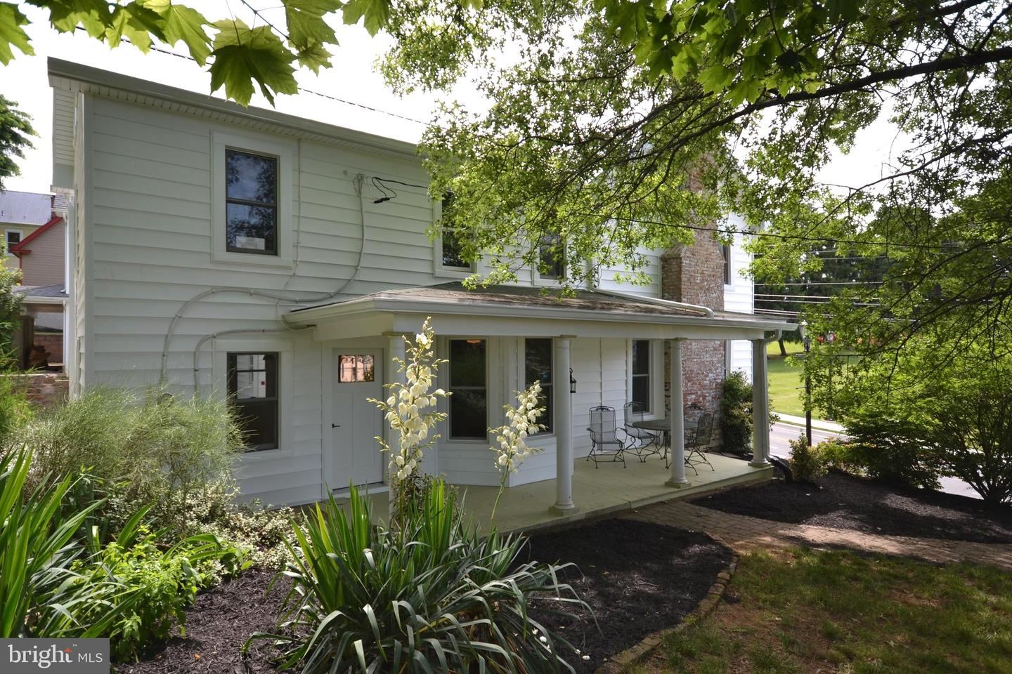 Photo of 11 E MAIN ST, MIDDLETOWN, MD 21769 (MLS # MDFR265850)