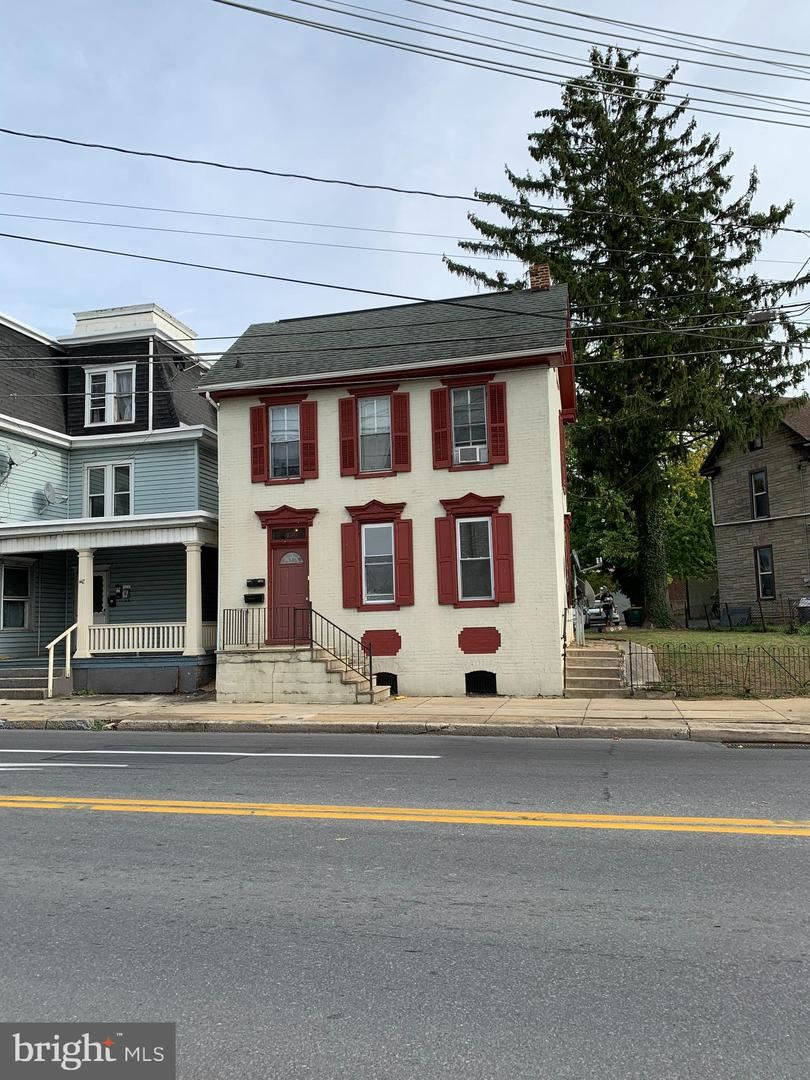 Photo of 436 N 2ND ST, CHAMBERSBURG, PA 17201 (MLS # PAFL175854)