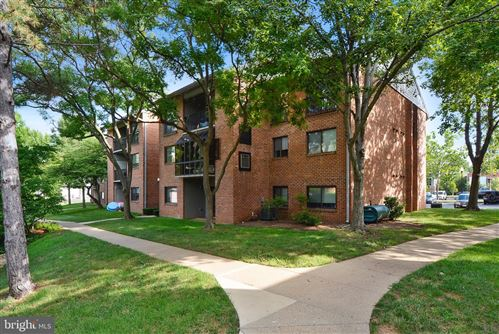 Photo of 304 HILLTOP LN #H, ANNAPOLIS, MD 21403 (MLS # MDAA408860)