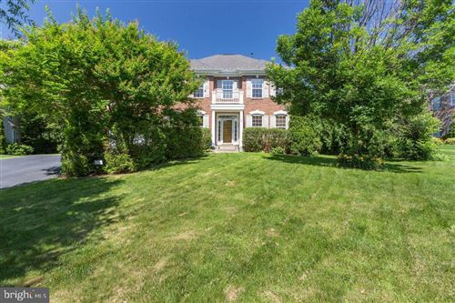 Photo of 903 ROYAL ELM CT, HERNDON, VA 20170 (MLS # VAFX1113860)