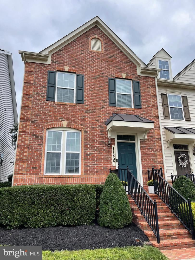 Photo of 11897 COUNTRY SQUIRE WAY, CLARKSBURG, MD 20871 (MLS # MDMC2015862)