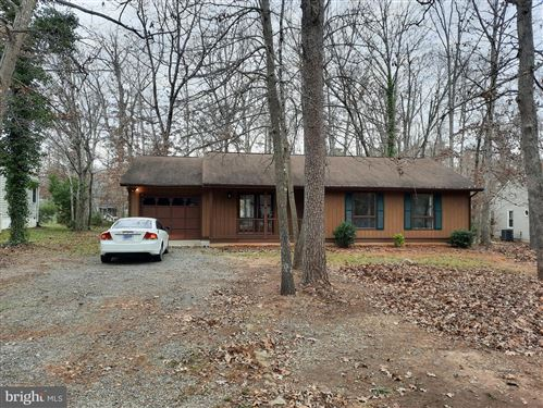 Photo of 736 LAKEVIEW PKWY, LOCUST GROVE, VA 22508 (MLS # VAOR137864)