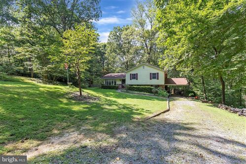 Photo of 140 AUTUMN CT, HUNTINGTOWN, MD 20639 (MLS # MDCA177866)