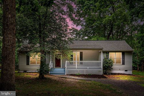 Photo of 509 MONTICELLO CIR, LOCUST GROVE, VA 22508 (MLS # VAOR136868)