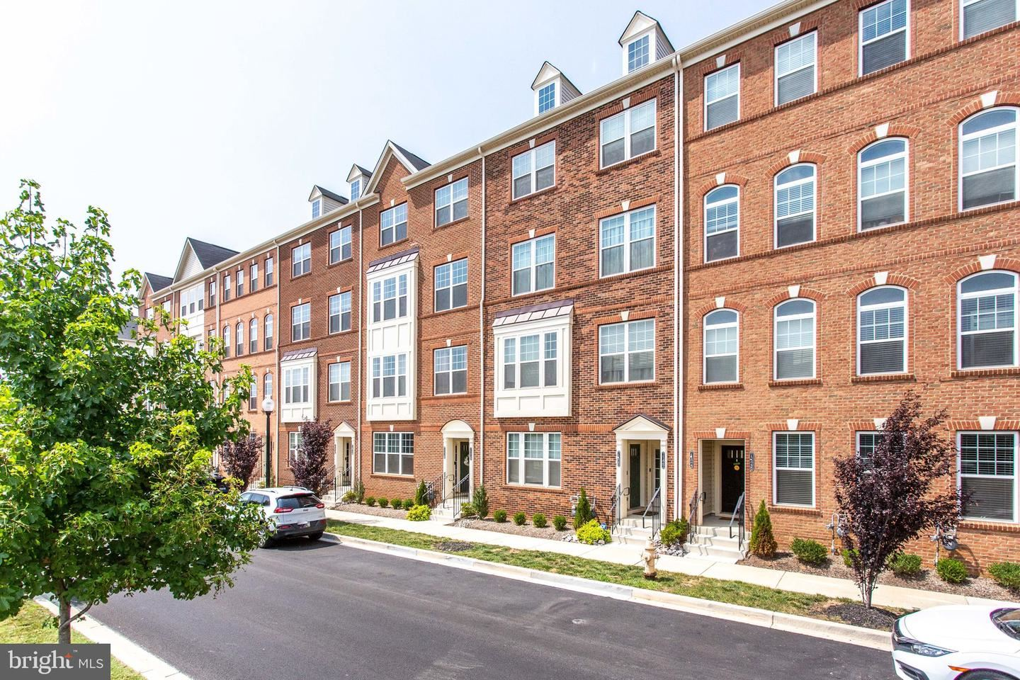 Photo of 7122 PROCLAMATION PL, FREDERICK, MD 21703 (MLS # MDFR2002870)