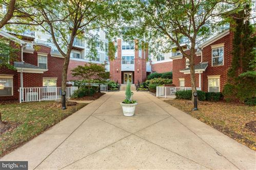 Photo of 1645 INTERNATIONAL DR #425, MCLEAN, VA 22102 (MLS # VAFX1101872)