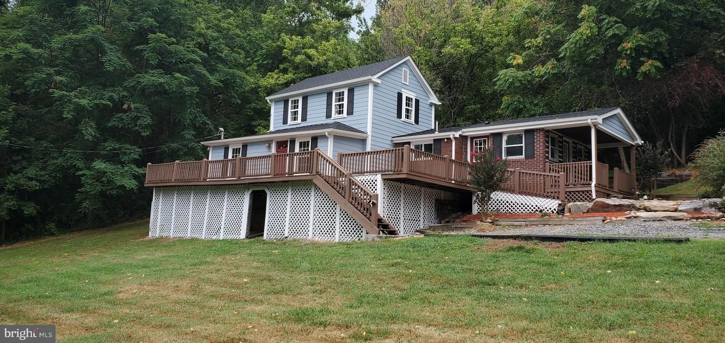 Photo of 3920 S MOUNTAIN RD, KNOXVILLE, MD 21758 (MLS # MDFR2003874)