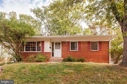 Photo of 712 CABIN JOHN PKWY, ROCKVILLE, MD 20852 (MLS # MDMC682878)