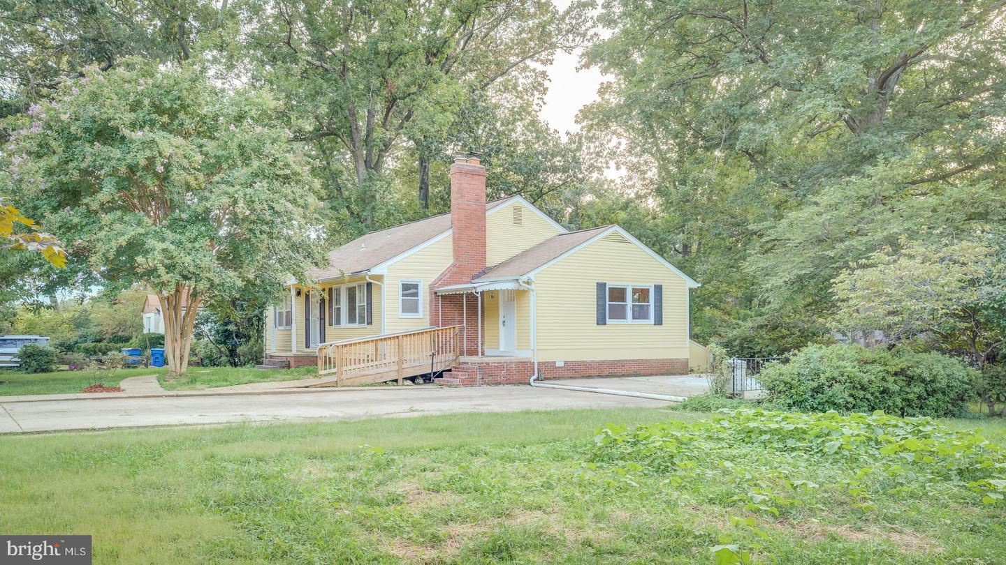 Photo of 4600 VILLAGE DR, FAIRFAX, VA 22030 (MLS # VAFX1112878)