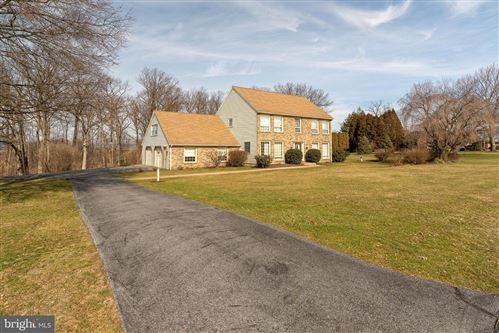 Photo of 11 BRIAR CREST MNR, LITITZ, PA 17543 (MLS # PALA158886)
