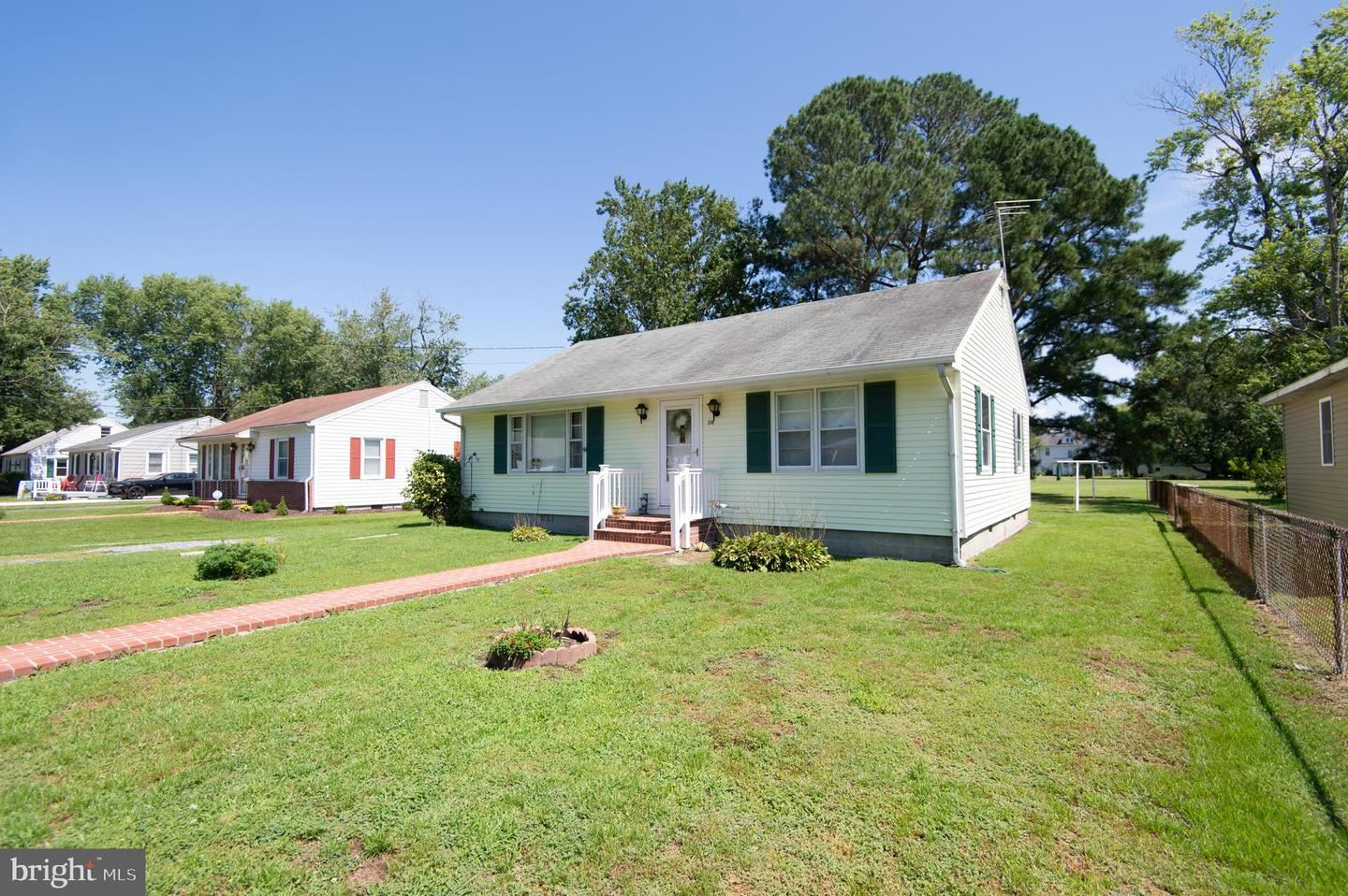 Photo for 1310 COLONIAL AVE, CAMBRIDGE, MD 21613 (MLS # MDDO125890)