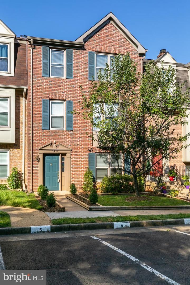 Photo of 5638 GRESHAM LN, CENTREVILLE, VA 20120 (MLS # VAFX1119890)