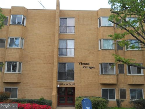 Photo of 200 LOCUST ST SE #107, VIENNA, VA 22180 (MLS # VAFX1180892)