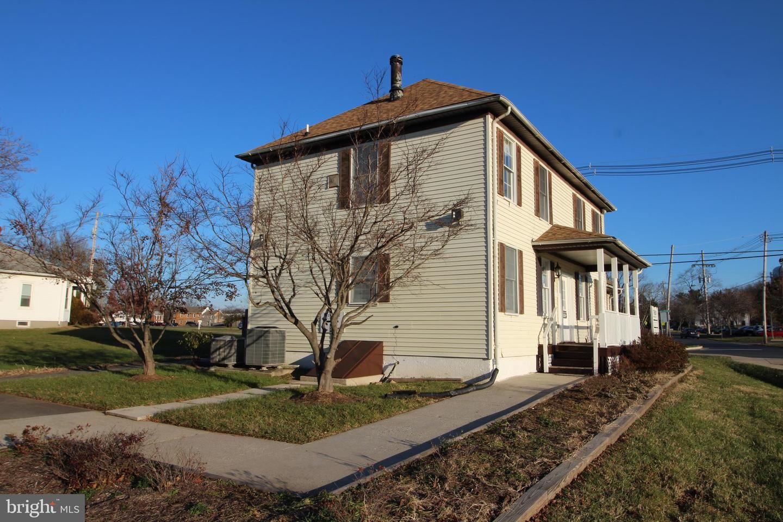 Photo of 17600 WEST WILLARD ROAD, POOLESVILLE, MD 20837 (MLS # MDMC704900)