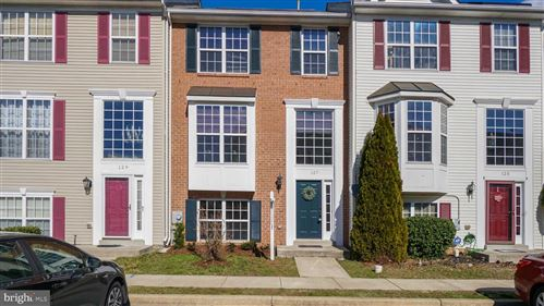 Photo of 127 FIELDSTONE CT, FREDERICK, MD 21702 (MLS # MDFR259902)