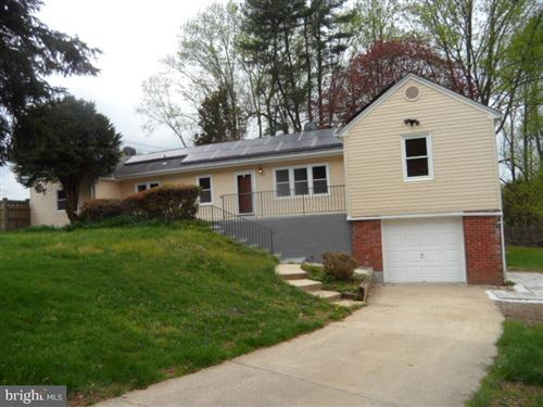 Photo of 2 PIPING ROCK DR, SILVER SPRING, MD 20905 (MLS # MDMC656902)