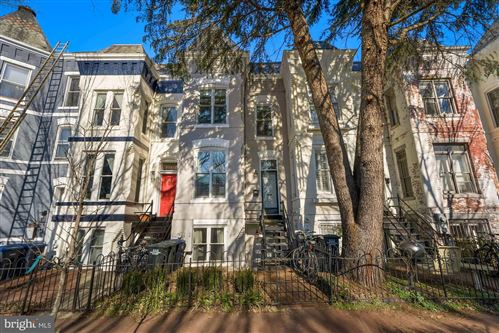 Photo of 1004 CONSTITUTION AVE NE, WASHINGTON, DC 20002 (MLS # DCDC503910)