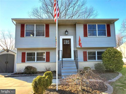Photo of 705 OLD LOVE POINT RD, STEVENSVILLE, MD 21666 (MLS # MDQA142910)