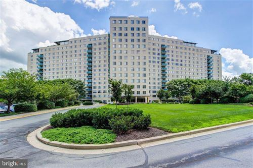 Photo of 10401 GROSVENOR PL #613, ROCKVILLE, MD 20852 (MLS # MDMC670912)