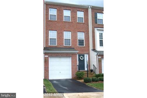 Photo of 11413 MACTAVISH HTS, FAIRFAX, VA 22030 (MLS # VAFX1131912)