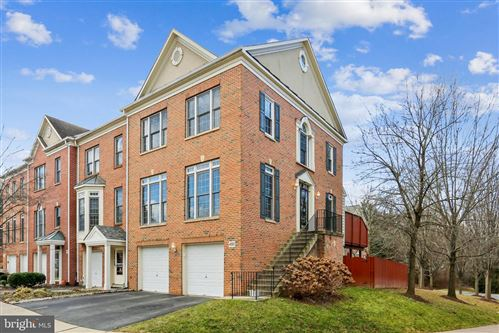 Photo of 492 WINDING ROSE DR, ROCKVILLE, MD 20850 (MLS # MDMC739914)