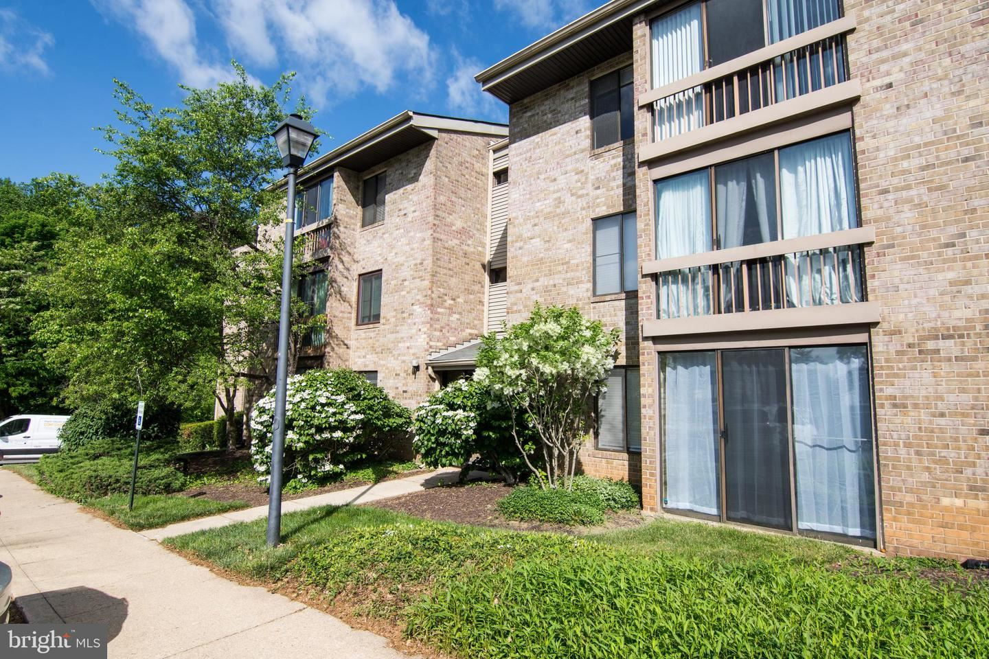 Photo of 10596 TWIN RIVERS RD #C-2, COLUMBIA, MD 21044 (MLS # MDHW2004916)