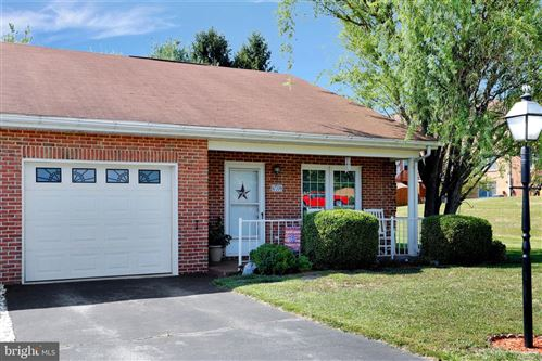 Photo of 10706 FAIRWAY LN, HAGERSTOWN, MD 21740 (MLS # MDWA173918)
