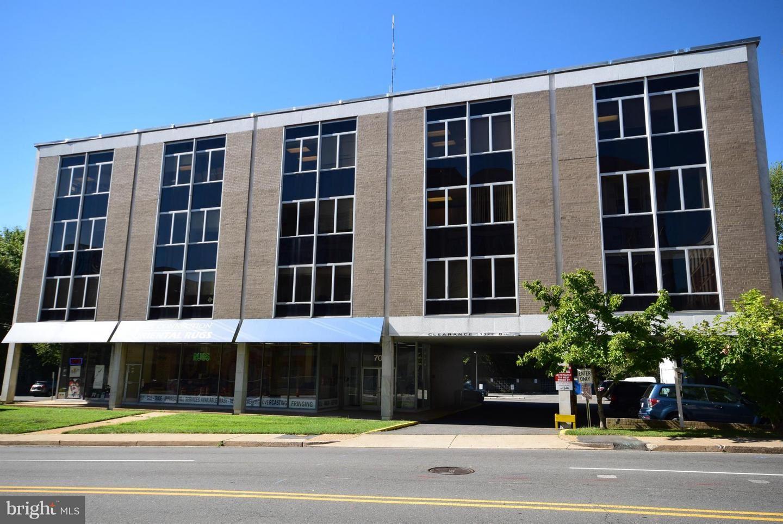 Photo of 701 BROAD ST, FALLS CHURCH, VA 22046 (MLS # VAFA111918)