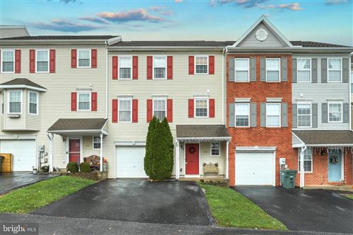 Photo of 206 COUNTRY RIDGE DR, RED LION, PA 17356 (MLS # PAYK149922)