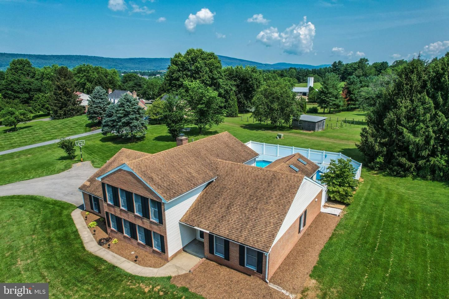 Photo of 5905 PICNIC WOODS RD, JEFFERSON, MD 21755 (MLS # MDFR283928)